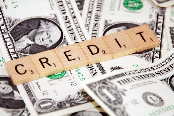 банки где дают кредит с 18 частный займ встреча в москве