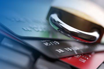 Могут ли судебные приставы снять деньги с моментальной дебетовой карты